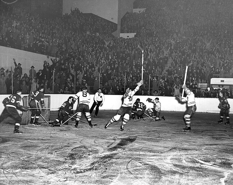 "For 25 seasons, the NHL consisted of only six teams – known as the ""Original Six"" Era. (Archives of Ontario, Canada)"